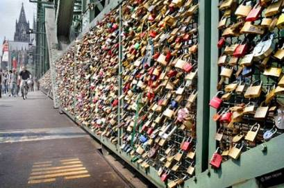 Love Locks Brudge
